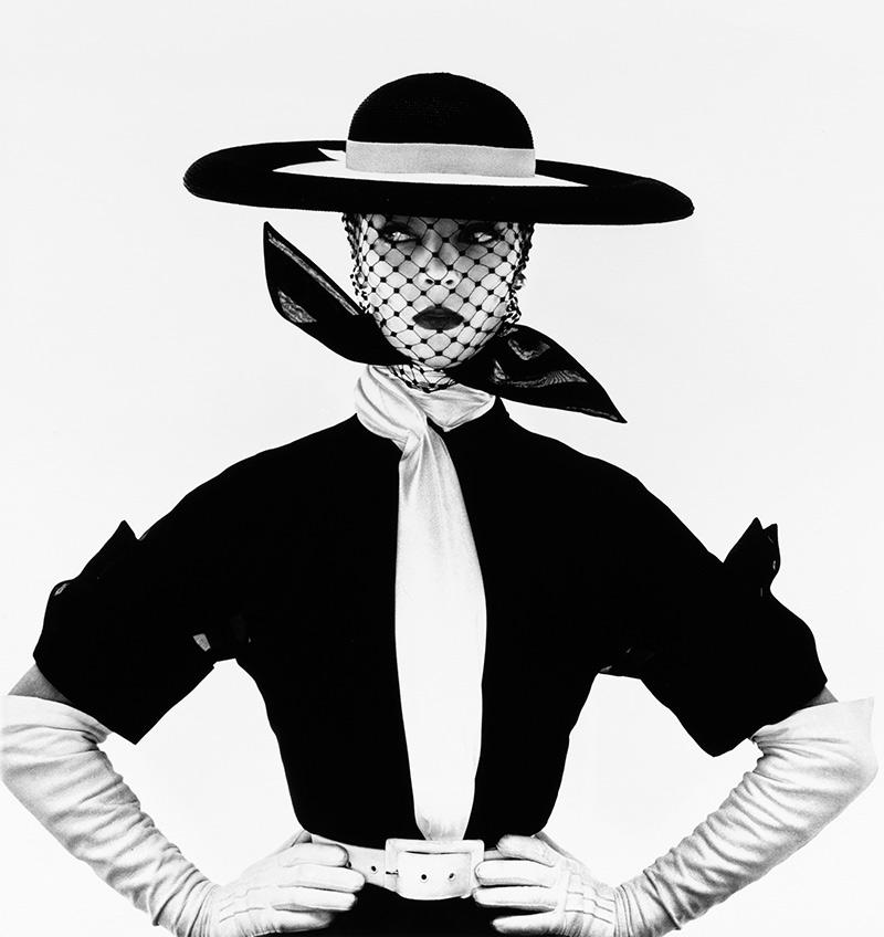 black-&-white-vogue-cover-jean-patchett-new-yor