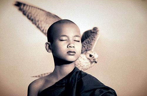 gregory colbert, image, человек, орел